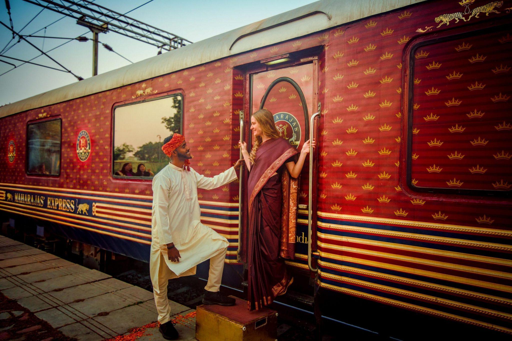 maharajas-express-train-tj-vj-outside