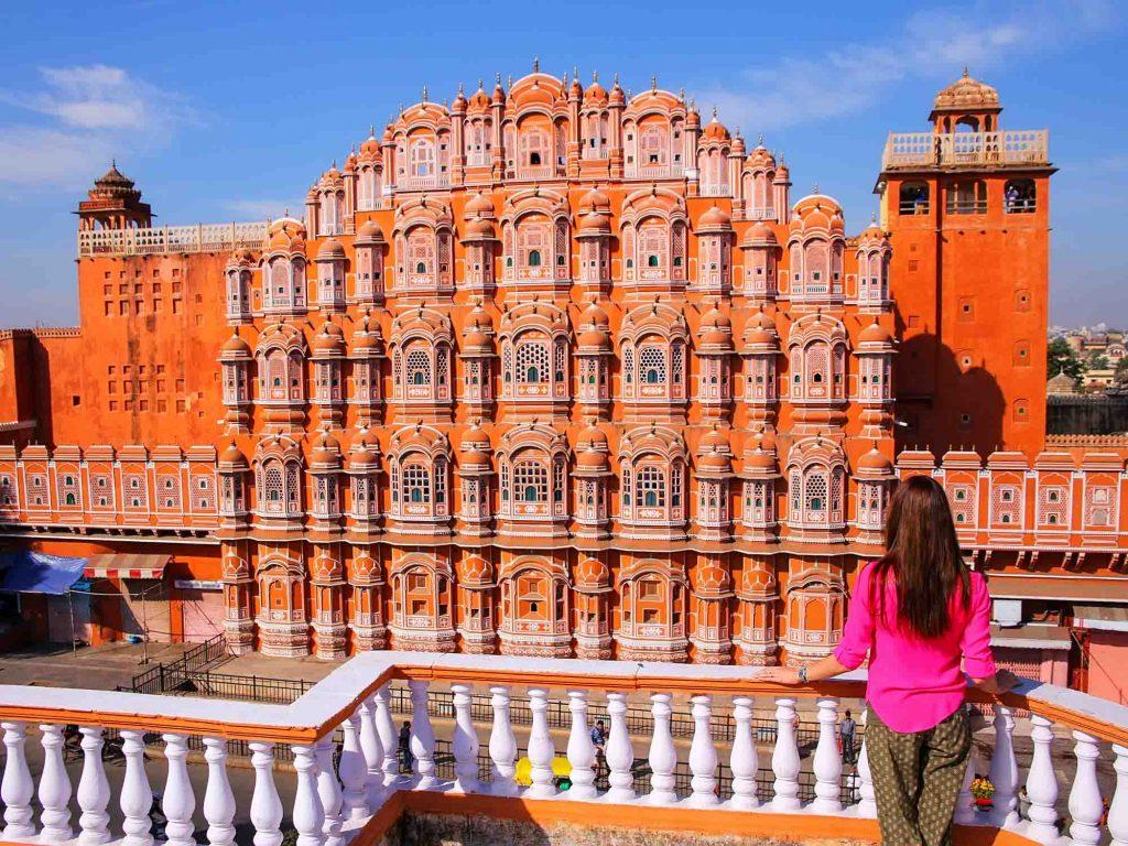 Hawa-Mahal-Palace-of-the-Winds-in-Jaipur-Rajasthan-India