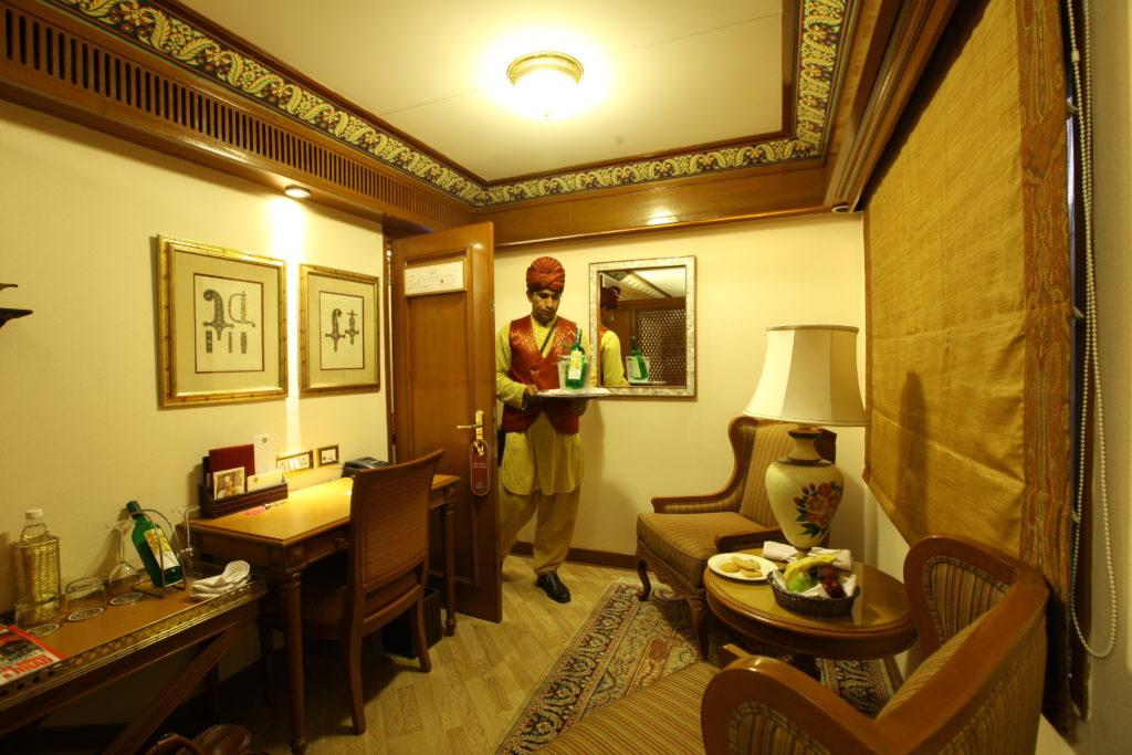 suite sitting area (1)