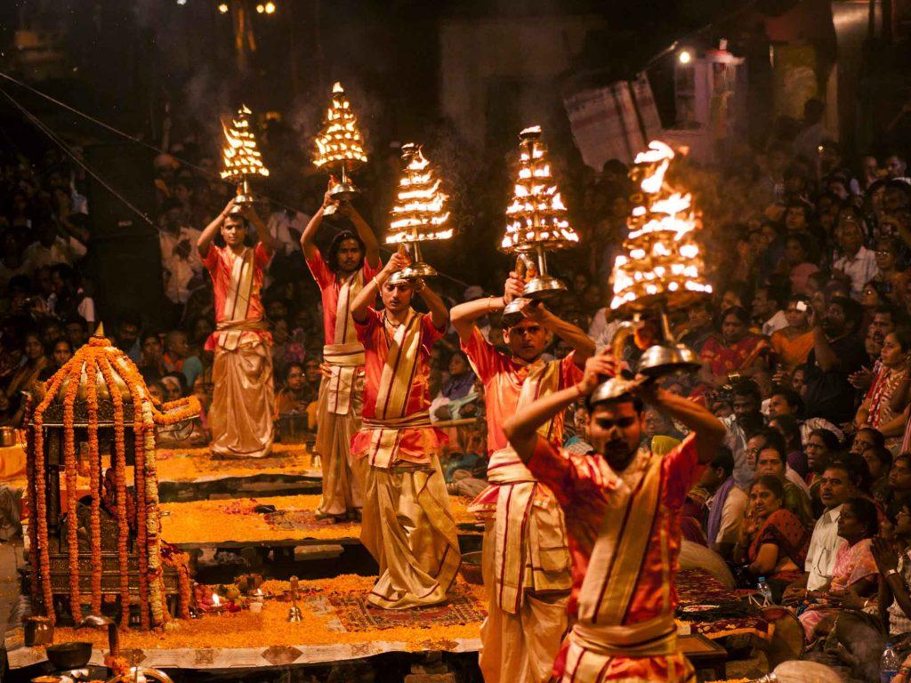 Varanasi,,India-,9,March,2013,:,A,Hindu,Priest,Performs